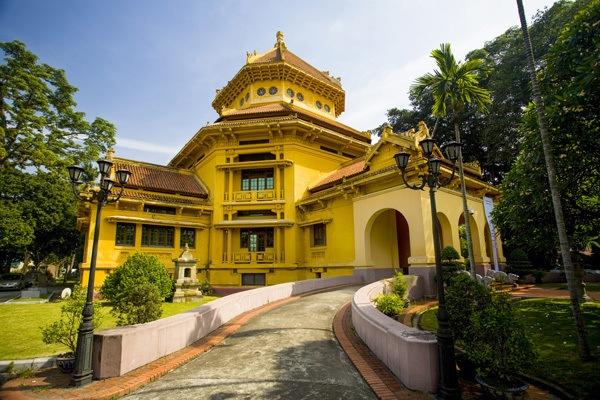 musee histoire hanoi vietnam