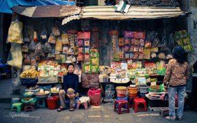 petit magasin au marche thanh ha a hanoi