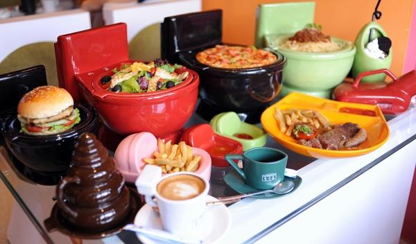 restaurant-a-theme-des-toilettes-a-hanoi