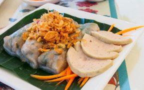banh cuon a hanoi vietnam