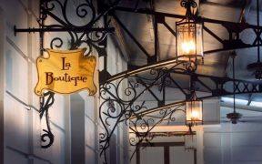 bar et restaurant de l'hotel sofitel legend metropole a hanoi