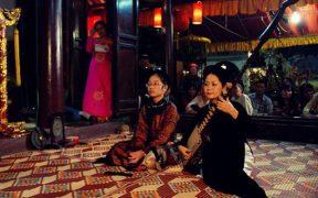 spectacle de chant de ca tru a hanoi