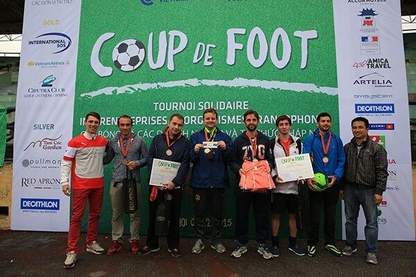 L'équipe Ambassade de France au Vietnam - Demi-Finaliste