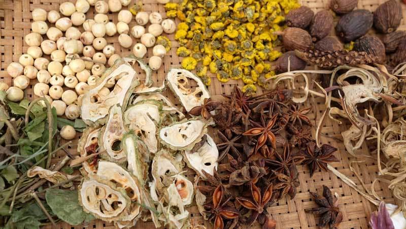 epices herbes medicinales rue lan ong